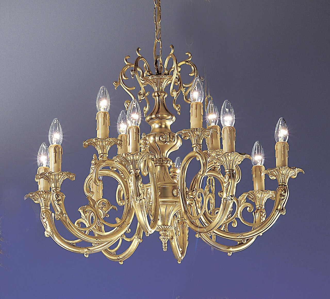 Improve the Aura Your Room With an Antique Brass Chandelier